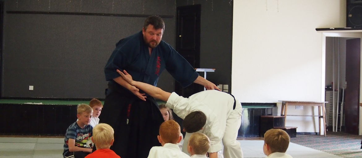 Structure and posture are key principles in Motoha Yoshin Ryu Jujutsu, Carlisle